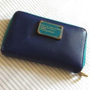 Marc Jacobs Classic Q Wingman Wallet